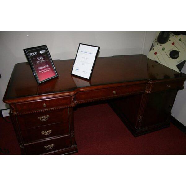 Judge's Desk-4732