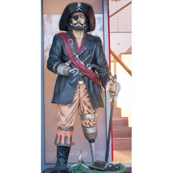 Pirate Captain Statue -18607