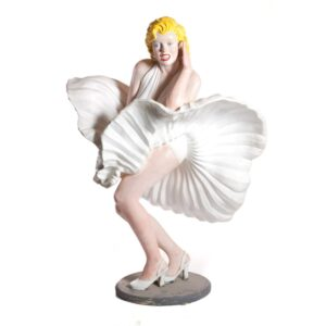 Marilyn Monroe Statue-0