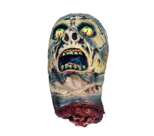 Horror screaming skull
