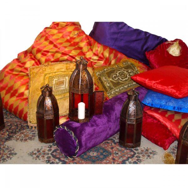4 x assorted cushions CUSHIONM