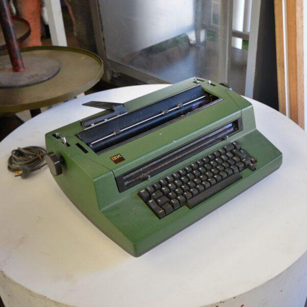 IBM Golf Ball Electric Typewriter Model 670X