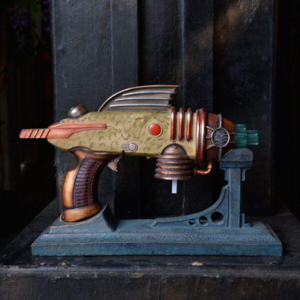 Ray Gun Type 2 - Buck Rogers Style