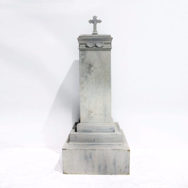 Large Tombstone-0