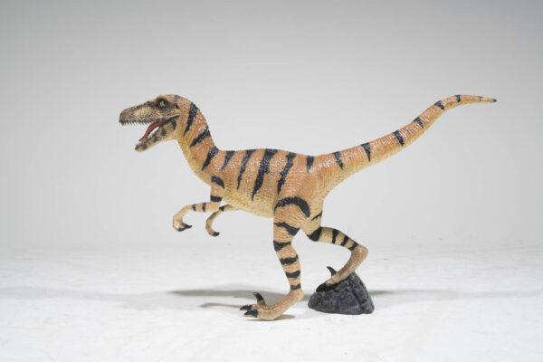 velociraptor-dinosaur-sydney-props-hire